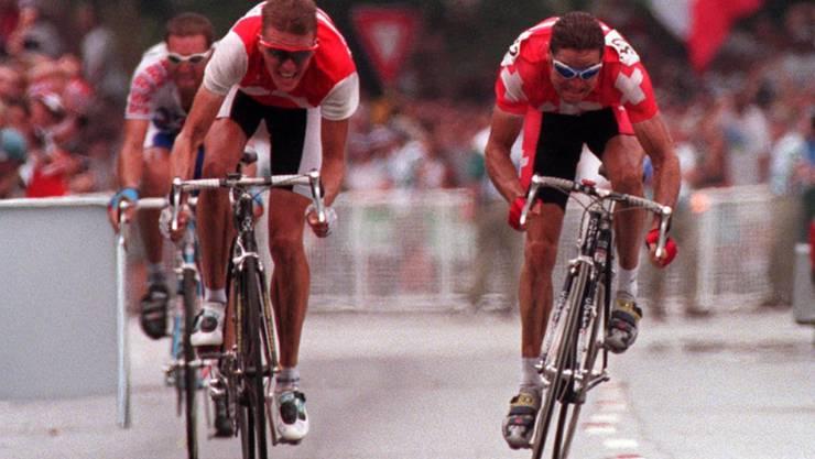 Der Waadtländer Pascal Richard (rechts) sprintet am Dänen Rolf Sörensen vorbei zum Olympiasieg in Atlanta