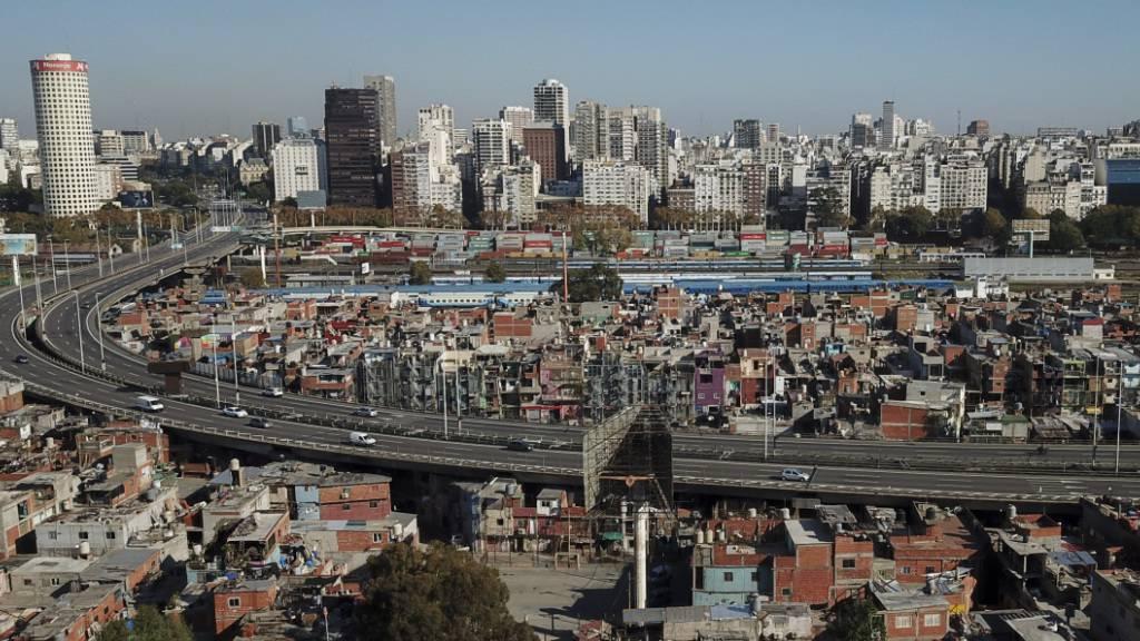 Argentinien verhandelt mitten in der Coronavirus-Krise mit seinen Geldgebern um eine Umschuldung des Landes. (Archivbild Buenos Aires)