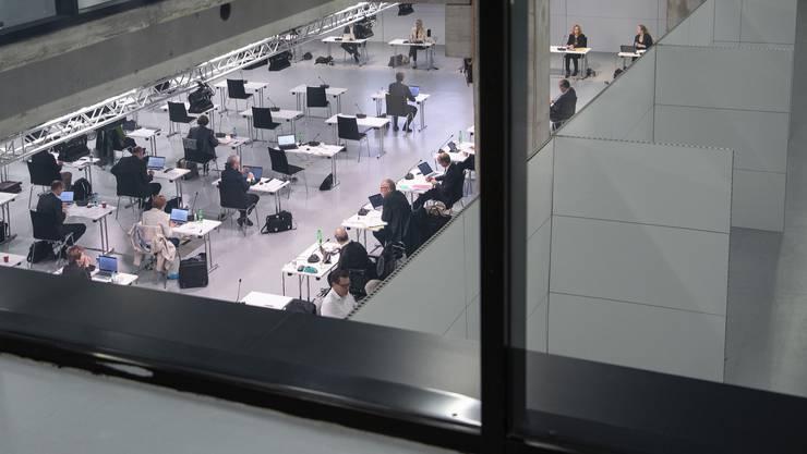 Am Montag hat in Bern die Sondersession der Eidgenössischen Räte in den Hallen der Bernexpo begonnen.