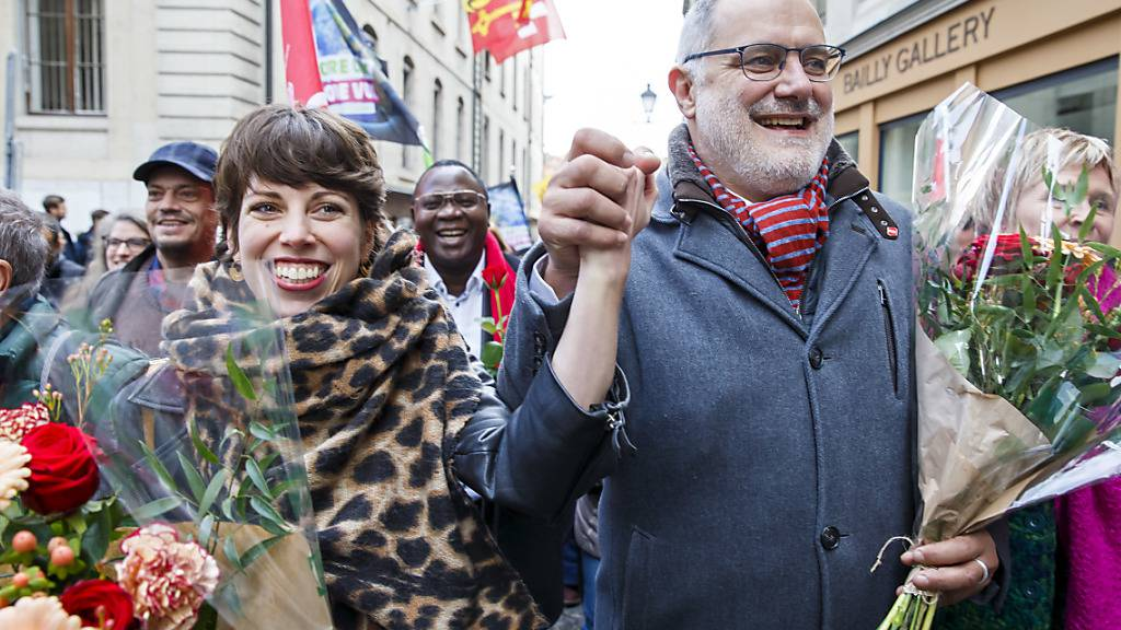 Lisa Mazzone (l.) und Carlo Sommaruga (r.) sind die strahlenden Sieger des rot-grünen Lagers beim zweiten Ständeratswahlgang im Kanton Genf.