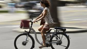 Vor allem E-Bikes tragen zum Veloboom bei. Doch profitieren davon werden im Baselbiet alle Velofahrer.