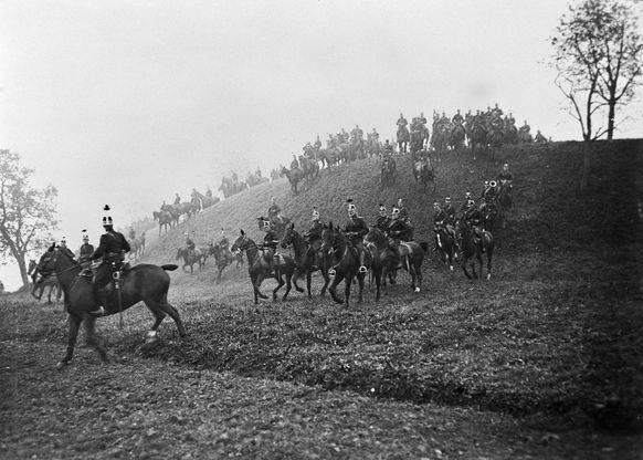 Ein Kavallerie-Schwadron der Schweizer Armee 1914.