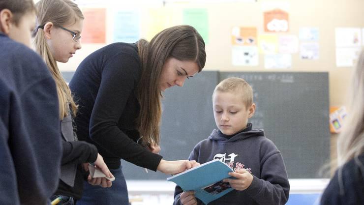 Berufseinsteiger sollen ab dem nächsten Schuljahr besser bezahlt werden.
