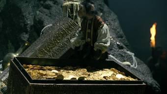 Goldschätze finden sich meist nicht in Truhen wie im Film Pirates of the Caribbean – sind aber nicht minder spektakulär (das Äffchen mal ausgenommen).