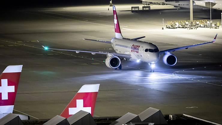 Am Flughafen Zürich werden zwischen 24. August und 5. September die Instrumentenlandesysteme mit Messflügen überprüft. (Symbolbild)