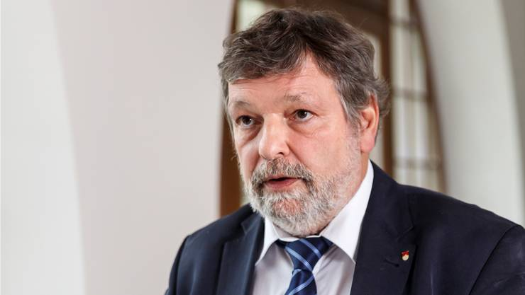 Finanzdirektor Roland Heim (CVP) präsentierte seine Zahlen wegen des Coronavirus am Donnerstag nicht direkt vor dem Medien. (Archiv)