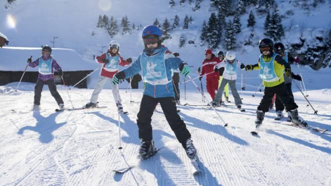 In drei Stunden statt in drei Tagen: Experten fordern, dass das Skifahren-Lernen einfacher wird.  Foto: Keystone/Anthony Anex
