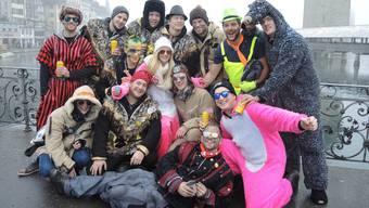 Ein bunter Haufen fasnachtsverrückter Freiämter feierte in Luzern den Urknall.