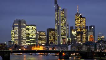 Blick auf das Bankenviertel von Frankfurt am Main (Symbolbild)