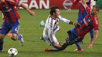 Nach diesem Foul an Bayerns Mario Götze pfiff der Schiri Penalty