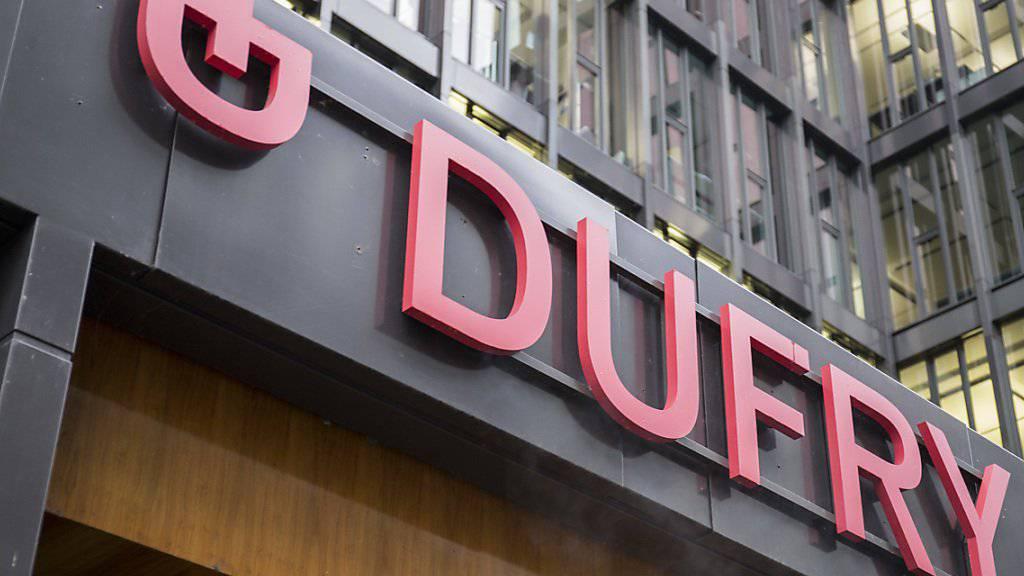 Der Duty-Free Spezialist Dufry hat den Umsatz verbessert und ist für das Gesamtjahr zuversichtlich. (Archivbild)