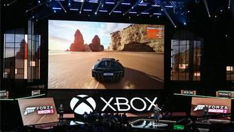 Zwei neue Konsolen und viele neue Spiele (im Bild «Forza Horizon 3» präsentierte Microsoft.MIKE NELSON/Keystone