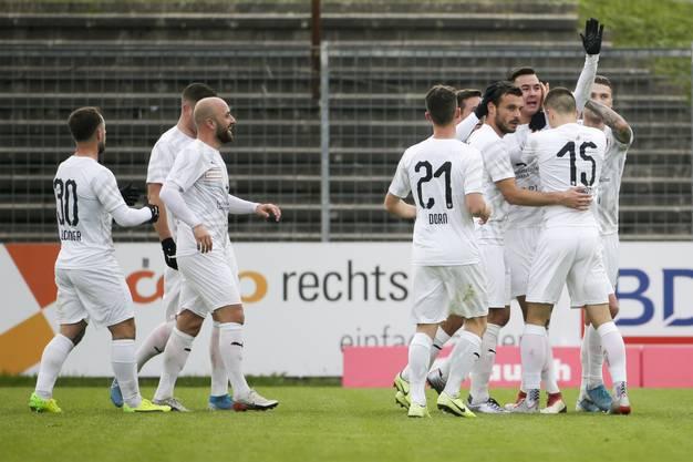 Doppeltes Pech für den FC Aarau – Trotz klarem Hands zählt der Treffer zum 1:2 von Sülüngöz.