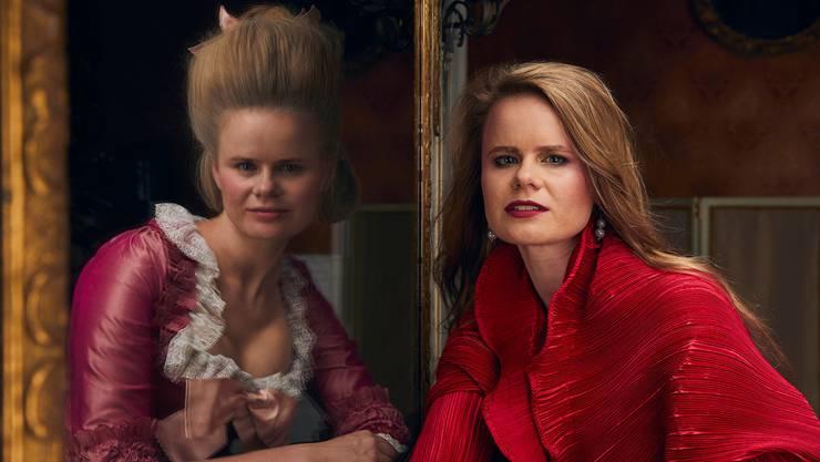Helga Váradi lädt in der Rolle als Nannerl zur Hommage an ihren Bruder Wolfgang Amadeus Mozart.