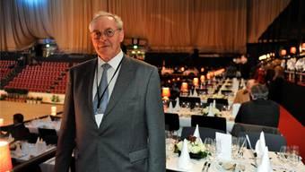Willy Bürgin, OK-Präsident des CSI Basel, im VIP-Bereich, den er jedes Jahr ausbaut.KEY