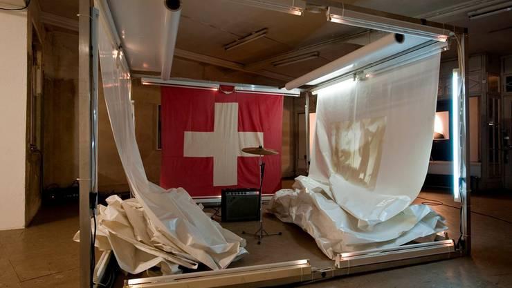 Kunsträume sind wichtige Scharniere im Kunstdiskurs, bekommen aber keine Beiträge mehr. Zum Beispiel der Message Salon in Zürich, hier mit der Ausstellung «Laurent Emch und Nik Goei by Minimetal».