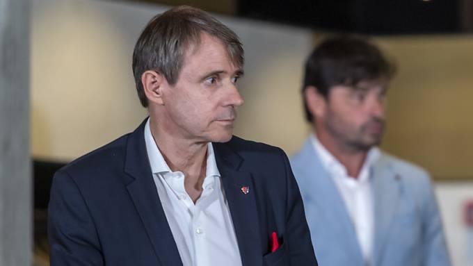 Basels Präsident Bernhard Burgener soll gehen, fordern die Fans. (Archiv)