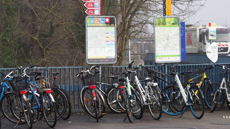 Länger nicht mehr genutzte Fahrräder sollen nach einer Warnfrist durch die Polizei entfernt werden, wünscht sich Fink.
