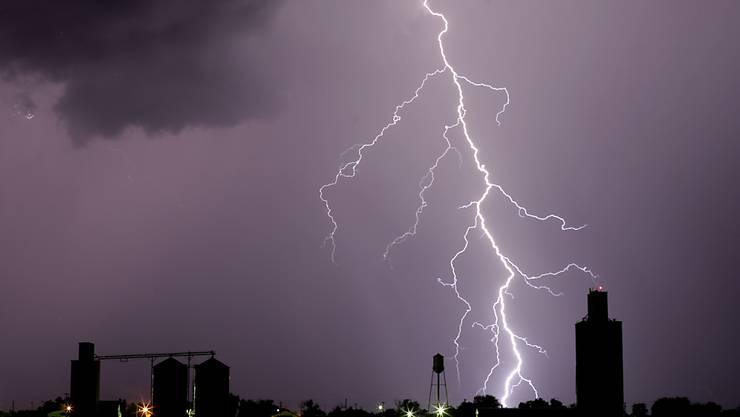 Blitze verletzten Festivalbesucher (Symbolbild)