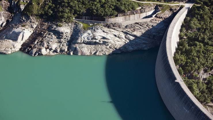 Zevreila-Stausee oberhalb Vals sammelt das Wasser verschiedener Täler.