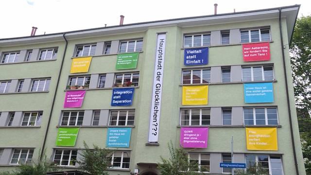 Breitsch-Bewohner wehren sich mit kreativer Plakataktion