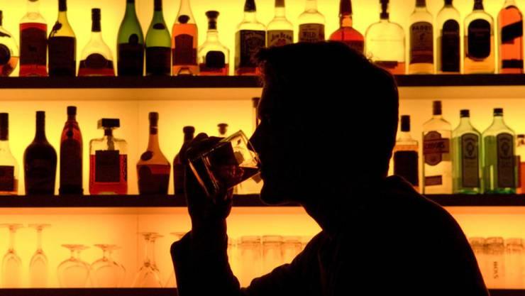 Die Zürcher Bars und Clubs bleiben trotz Lockerung der Corona-Massnahmen noch geschlossen. (Sybolbild)