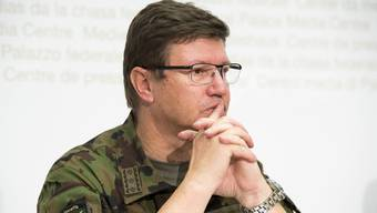 Bern - 28.9.16 - Der Kommandant der Schweizer Luftwaffe,  Aldo C. Schellenberg,  nimmt Stellung zum Helikopter-Absturz am Gotthard.