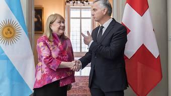 Die argentinische Aussenministerin Susana Malcorra und Bundesrat Didier Burkhalter im Wattenwyl-Haus in Bern.