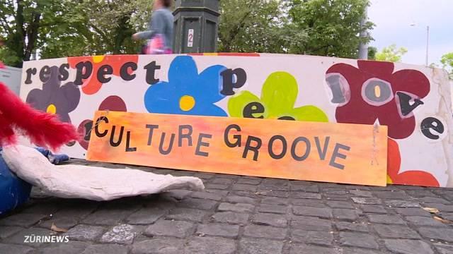 Nostalgie-Bühne bei Street Parade