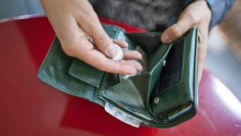 Die Trickdiebe versuchen gern, beim Geldwechsel Noten zu ergauern. (Symbolbild).