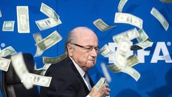 In der FIFA kehrt keine Ruhe ein: Top-Funktionäre um Sepp Blatter sollen sich um Millionen-Beträge bereichert haben.