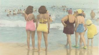 Badende auf Coney Island, um die Jahre 1950 bis 1960 herum.