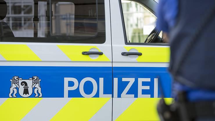 Nach einem Raub wurde am Mittwoch ein 18-Jähriger verhaftet. (Symbolbild)