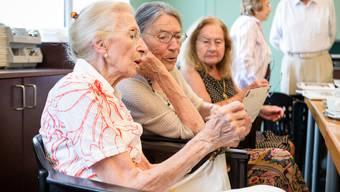 Schweizer werden älter als Russen. (Symbolbild)