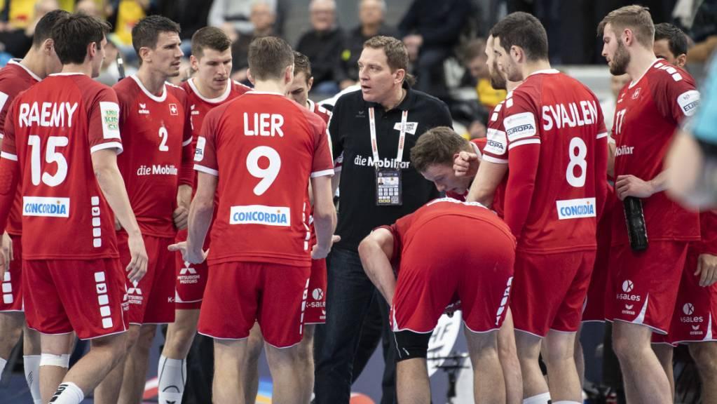 Nationalcoach Michael Suter spielt mit seiner Mannschaft gegen Island um die WM-Teilnahme.
