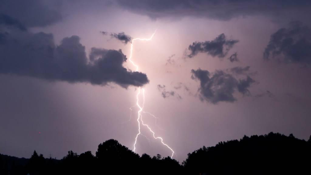 Blitz und Donner: Heftiges Gewitter zieht über Ostschweiz