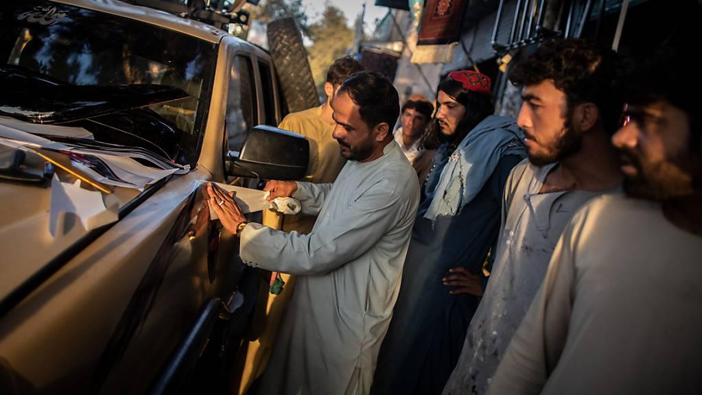 Nach der Machtergreifung der Taliban in Afghanistan ist international die Sorge groß vor weiteren Konflikten in der Region. Foto: Oliver Weiken/dpa