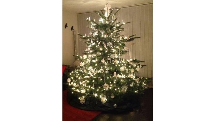 Dieser prächtig geschmückte Baum gewann den Wettbewerb 2013.