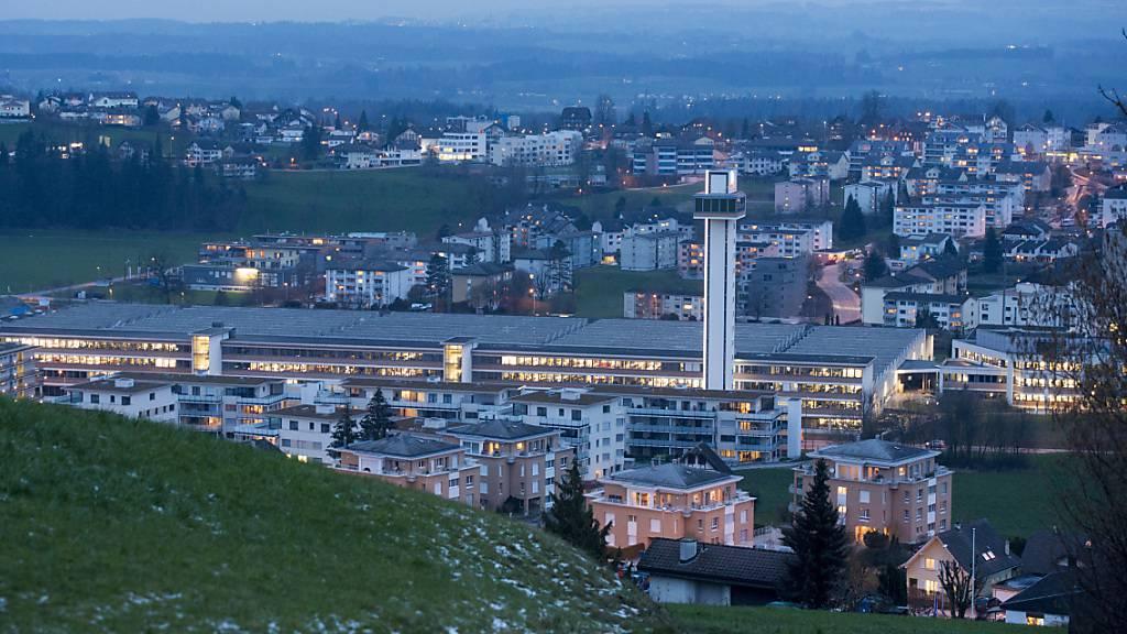 Die Luzerner Vorortsgemeinde Ebikon befindet sich finanziell in einer schwierigen Lage. (Archivaufnahme)