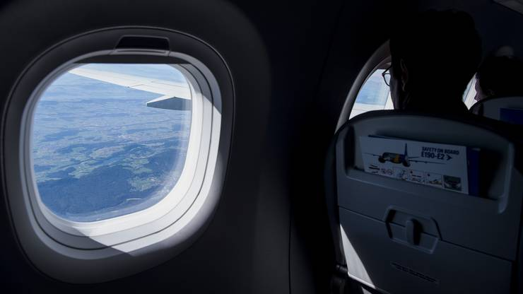 Toller Blick über die Alpen dank den grossen Fenstern.