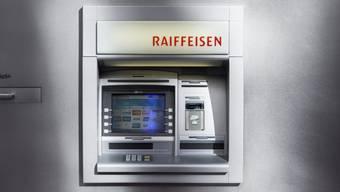 In Zeihen schliesst die Raiffeisenbank Regio Frick-Mettauertal ihr Beraterbüro und entfernt gleichzeitig den Bancomaten. (Symbolbild)