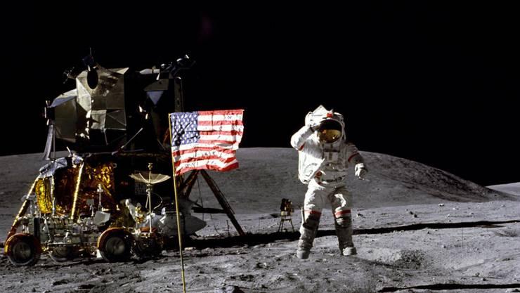 """Verbrachte als Kommandant von """"Apollo 16"""" im April 1972 drei Nächte auf der Mondoberfläche: Astronaut John Young. (Archiv)"""