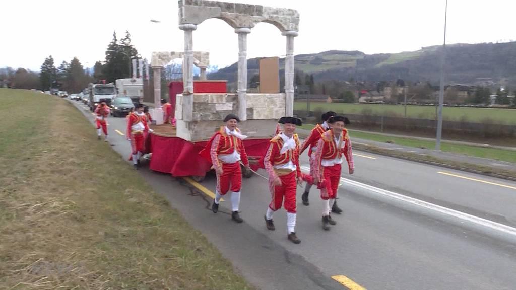 Fasnachtsstart mit Marsch von Münsingen nach Bern