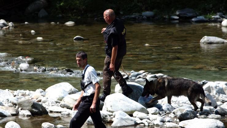 Ein im Tessin vermisster Schweizer Badegast wurde nach zweitägiger Suche tot in einem Stausee im angrenzenden Italien aufgefunden. (Symbolbild)