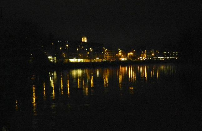 Dietikon, die Limmatstadt bei Nacht