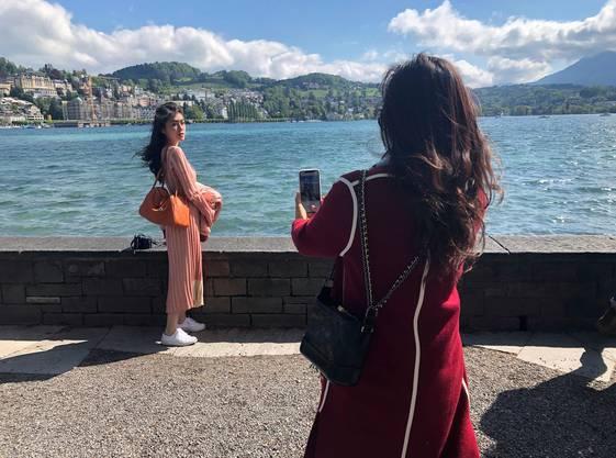 Posen für das perfekte Bild – trotz den windigen Verhältnissen am Luzerner Seebecken.