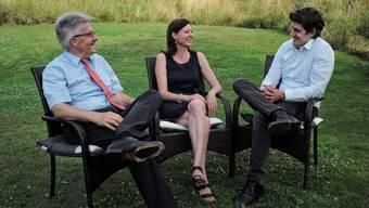 Bereits wieder in Verhandlungen: Oskar Kämpfer (l.) und Marc Scherrer in Christine Freys Garten.