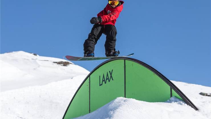 Auf dem Snowboard ist Jonas Hasler in seinem Element: Der Elfjährige gilt als eines der grössten Talente der Welt.LAAX/Philipp Ruggli