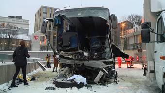 Tödlicher Car-Unfall auf Autobahn bei Zürich: Rebecca Tilen, Sprecherin der Kantonspolizei Zürich, gibt Antworten auf die wichtigsten Fragen.