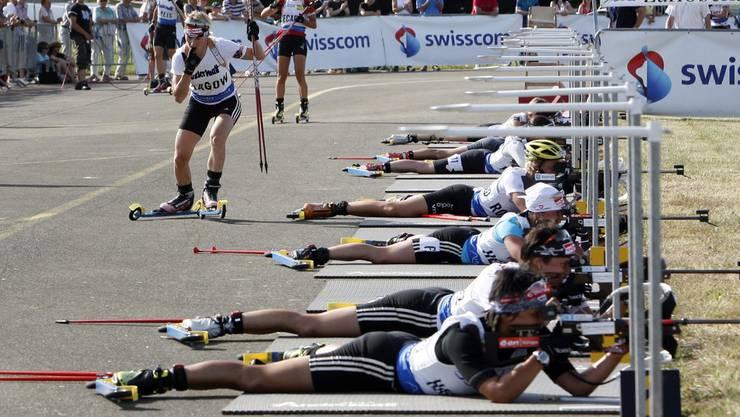 Am Sommerbiathlon der Langlaufgruppe Lausen sind Neulinge und erfahrene Sportlerinnen und Sportler herzlich willkommen.